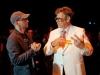 Dan Aykroyd nel ruolo del potente manager di Liberace, qui col regista